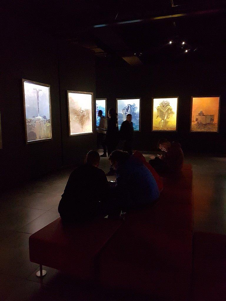 2019-02-19 Zwiedzanie Galerii Zdzisława Beksińskiego - klasa 1d