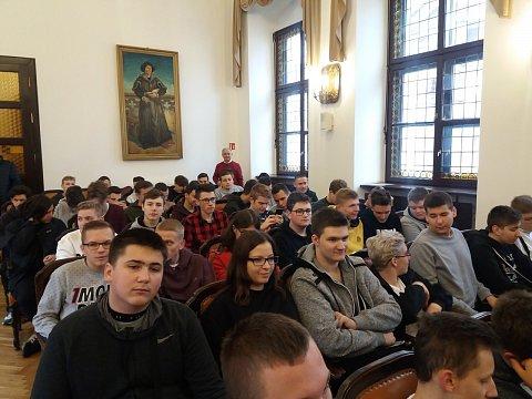 grupa uczestników wykładu